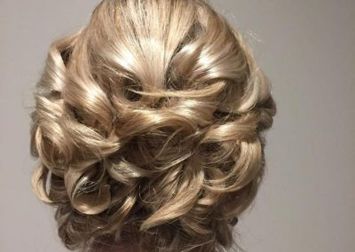 Beautiful bridal hair up done by Tori
